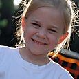 Annie_in_the_sun_30124