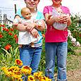 2007_june_girls_and_grandmas_flowers_2_0