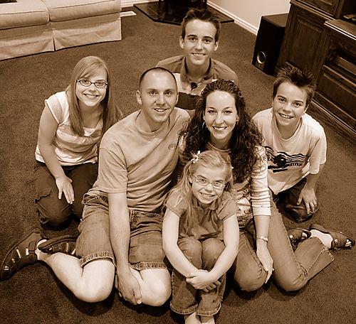 2008 JULY Elizabeth Mark and kids  2285