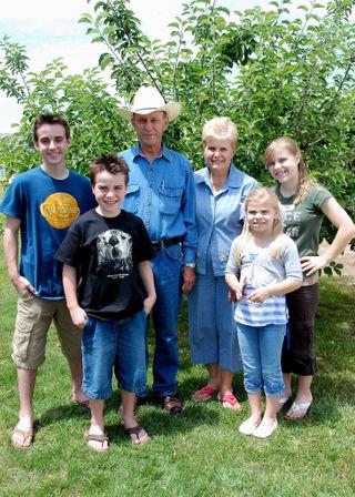 2008 JULY visit with grandma and grandpa rich 2459