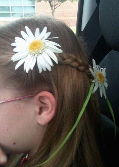 Meg daisy hair