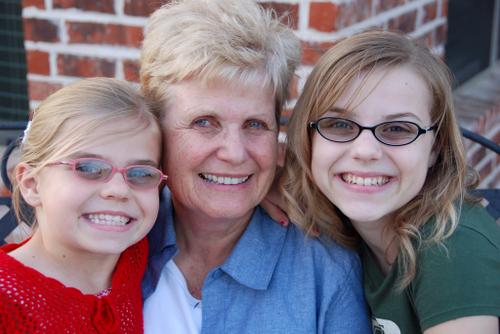Girls_with_grandma0038