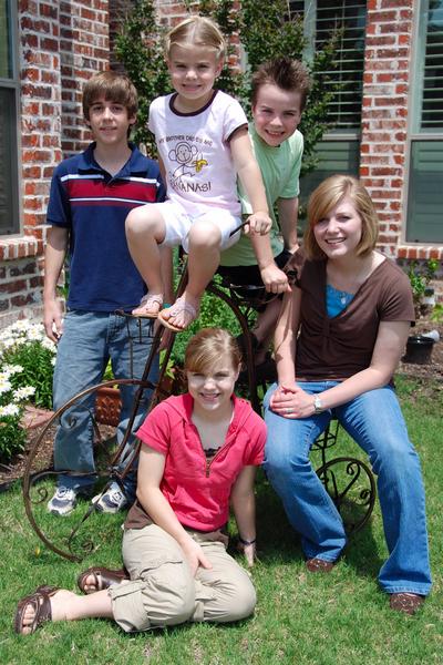 2007_may_kids_with_karen_0178