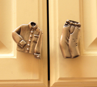 2007_june_laundry_rm_knobs_10358