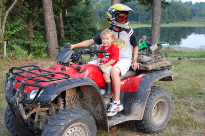 2007_aug_nate_with_ian_on_quad_0632