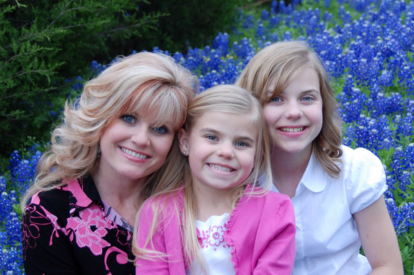 The_girls_and_me_in_the_bluebonnets