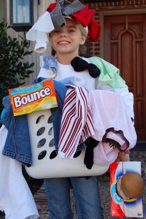 2007_oct_meg_laundry_basket_0774_2