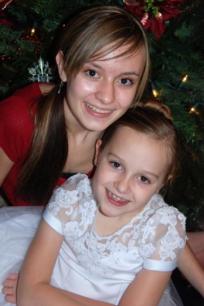 2007_dec_alyssas_baptism_sisters_09