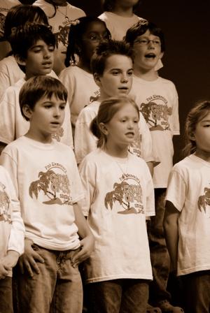 2007_dec_choir_concert_0997