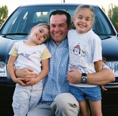 Steve_and_girls_2