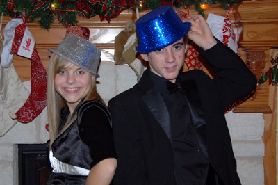2007_dec_new_years_eve_em_and_nate_