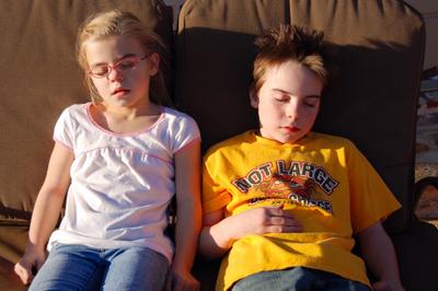 2008_jan_meg_and_smash_relaxing_110