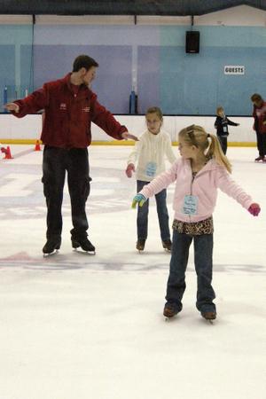 2008_feb_ice_skating_1186