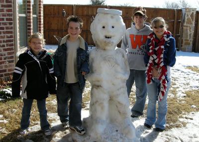 2008_march_super_snowman_1265