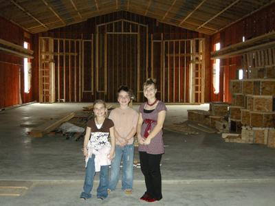 2008_march_kids_in_new_church_1242