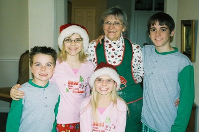 Christmas_morning_kids_with_myrna