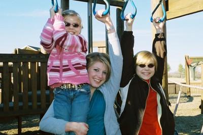 Girls_hanging_out_with_karen
