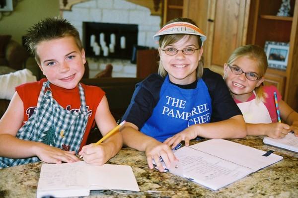 Kids_writing_recipes_1