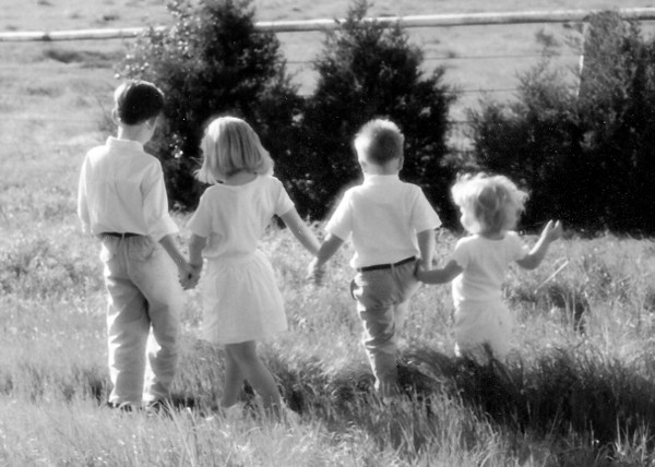 Kids_zion_cemetary