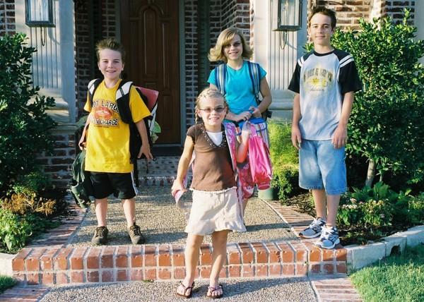 Ready_to_walk_to_school
