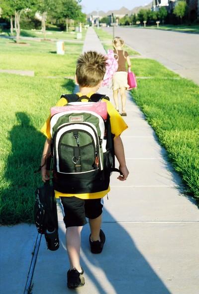 Smash_walking_to_school