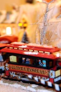 Village_lloyds_express