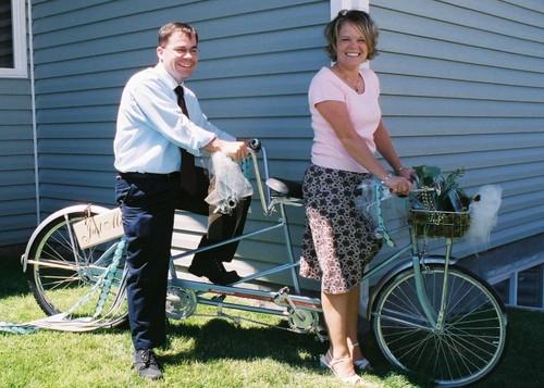 Grant_and_lisa_bike_for_2