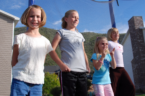 2007_june_girls_on_the_tramp0258