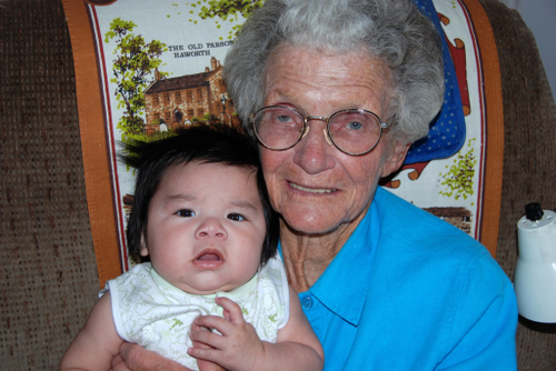 2007_june_great_grandma_with_little_reed