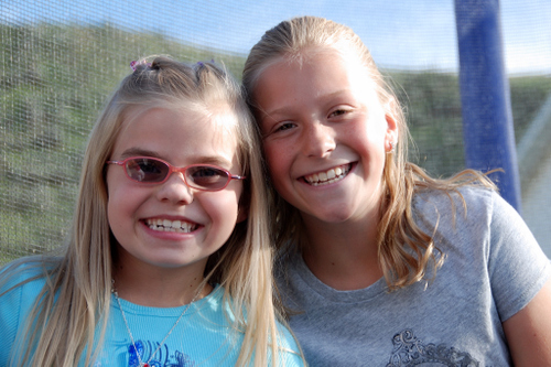 2007_june_meg_and_savanna0256