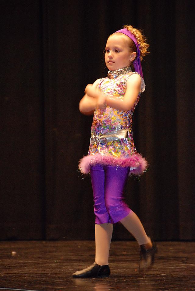 2008 MAY  alyssa dance   1605